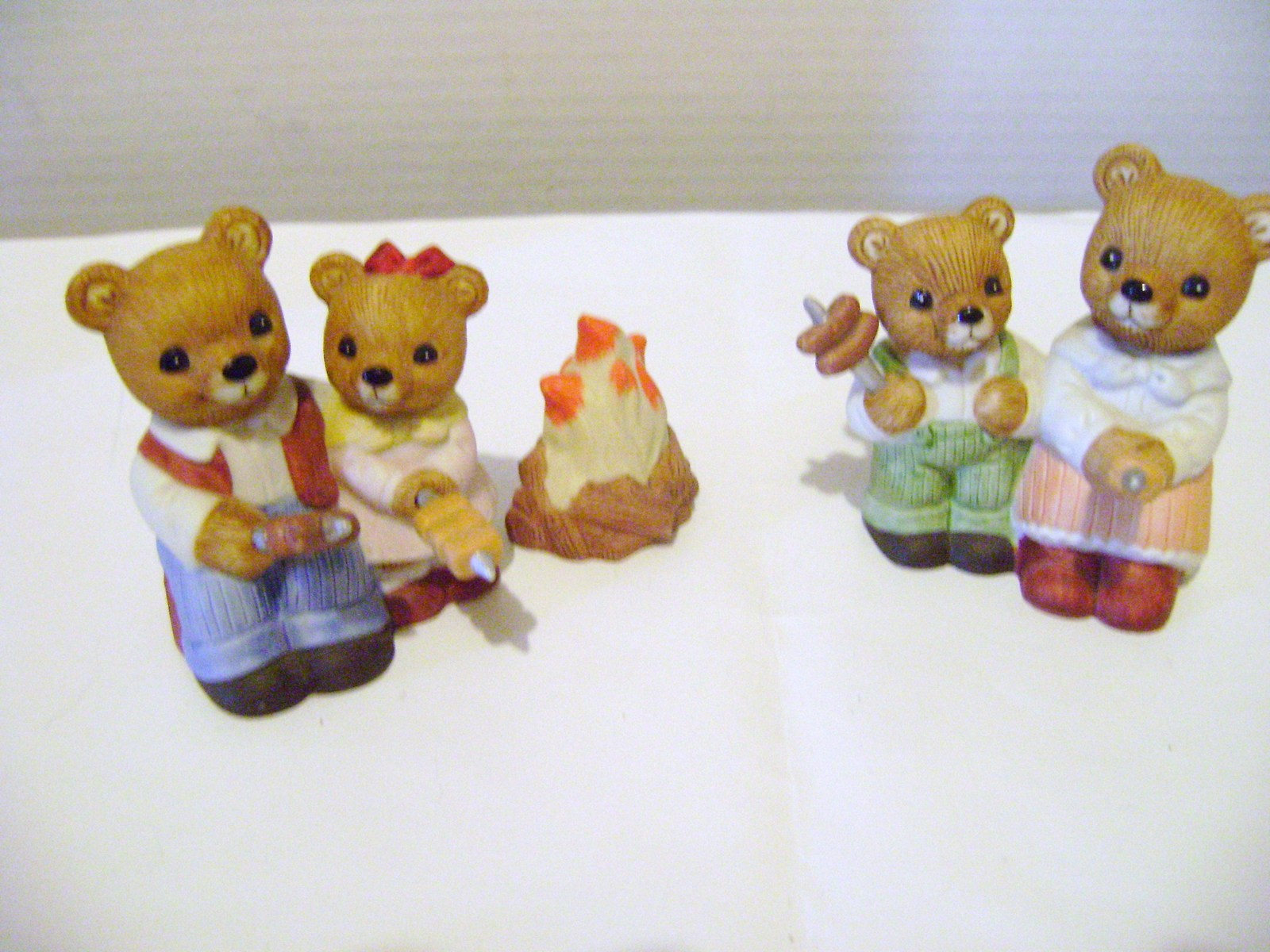 Primary image for Homco Teddy Bear Family  Campfire Set