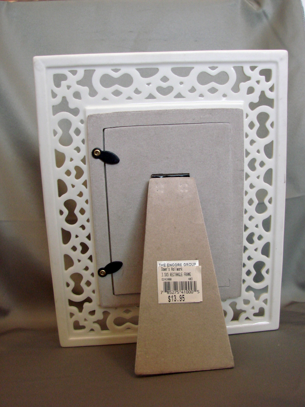 Encore Reticulated Porcelain Frame White and Gold New
