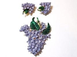 VINTAGE PURPLE FLOWER SET PIN EARRINGS CLIPS HYACINTH LARGE BEAUTIFUL MI... - $39.00