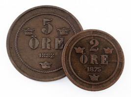 Sweden Lot of 2 Coins (1875 2 Ore VF, 1882 5 Ore VF+) Great Coin Lot! - $44.54