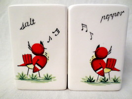 Vintage Ucagco Japan Red Bird Singing White Block Style Salt Pepper Shakers - $12.00