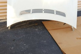 06-11 MERCEDES W219 CLS500 CLS550 CLS55 CLS63 CLS63 AMG Hood w/ Hinges & Shocks. image 2