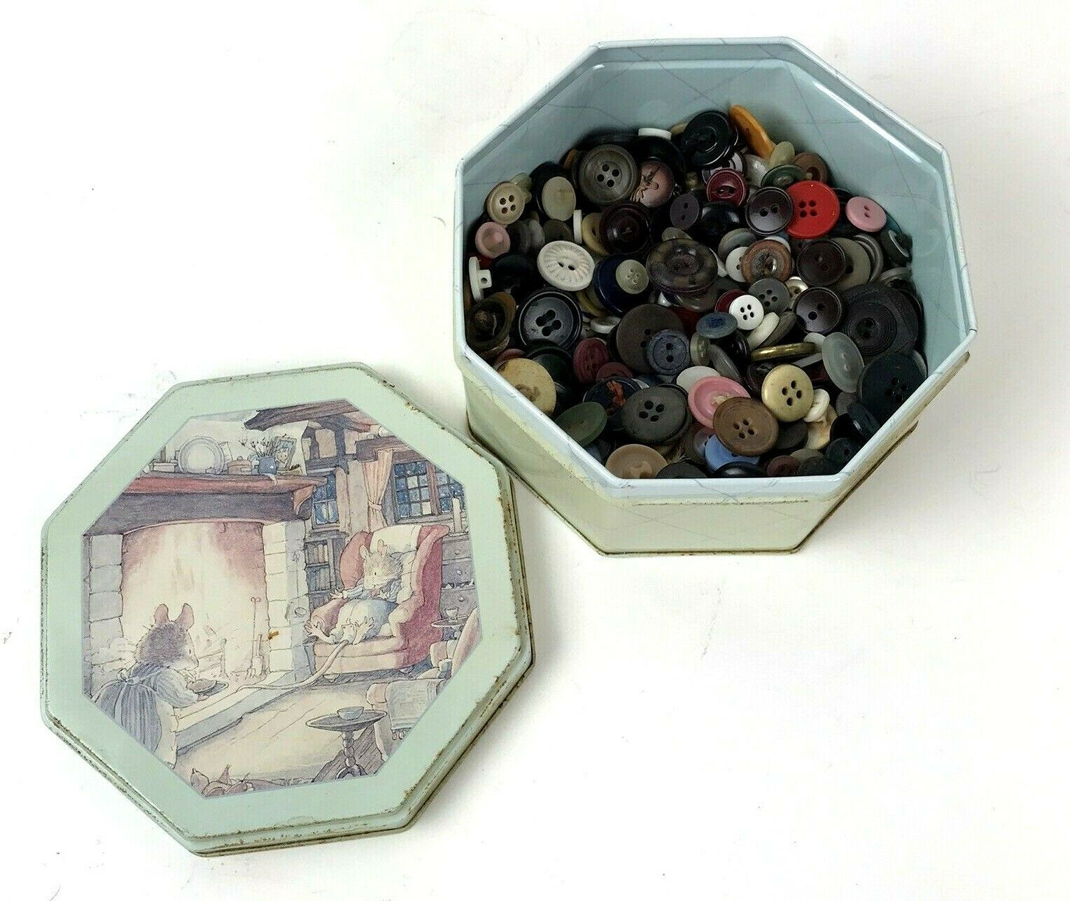 Primary image for Lot Of Old Buttons In Vtg Brambly Hedges Tin Mouse Mice Kitsch