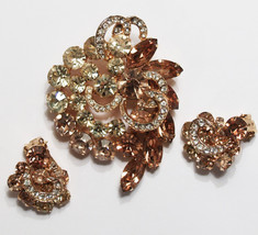 Vintage Signed Weiss Rhinestone Pin and Earrings Demi Parure Set Amber E... - $95.00