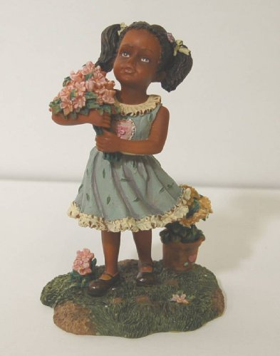 Wongs Ethnic Little Girl Green Dress Pink Flowers 6 Inch Figurine