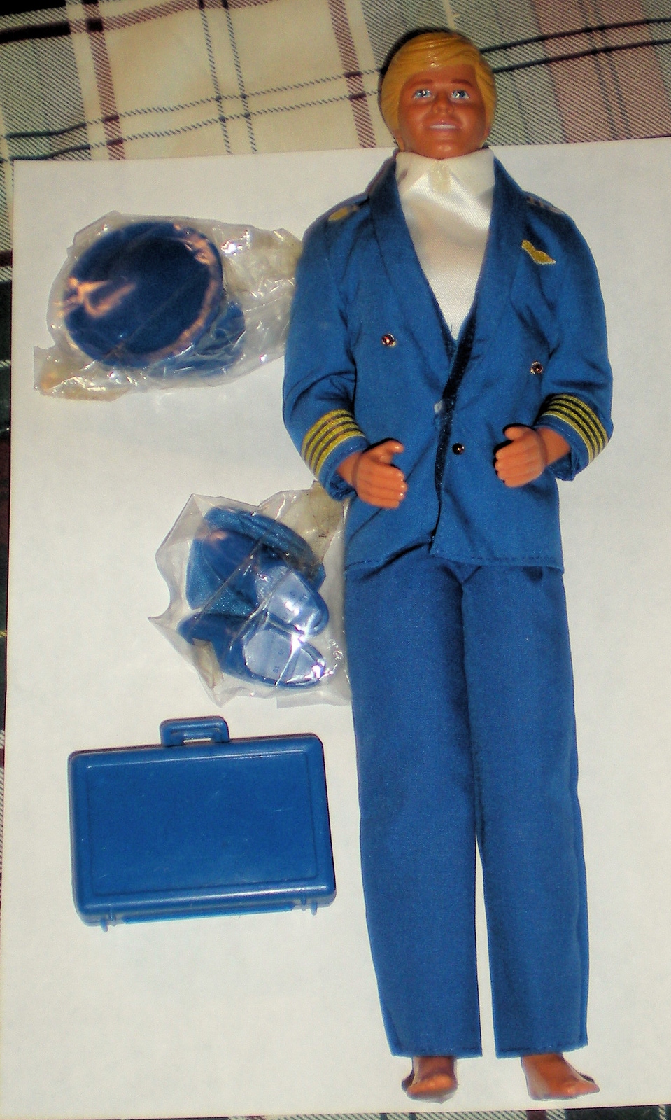 Barbie Doll - Ken Doll  - Airline Pilot