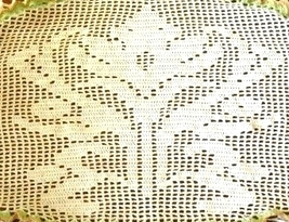 Spring ornate lily flower closeup filet crochet design thumb200