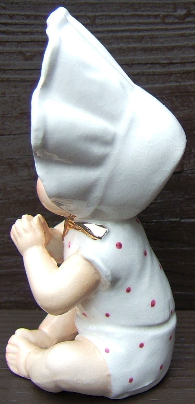 Vintage PIANO BABY with BONNET FINE A QUALITY Ceramic Figurine GOLD Japan 1950s