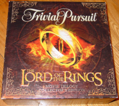 TRIVIAL PURSUIT LORD OF THE RINGS GAME TRILOGY COLLECTORS EDITION PARKER... - $30.00