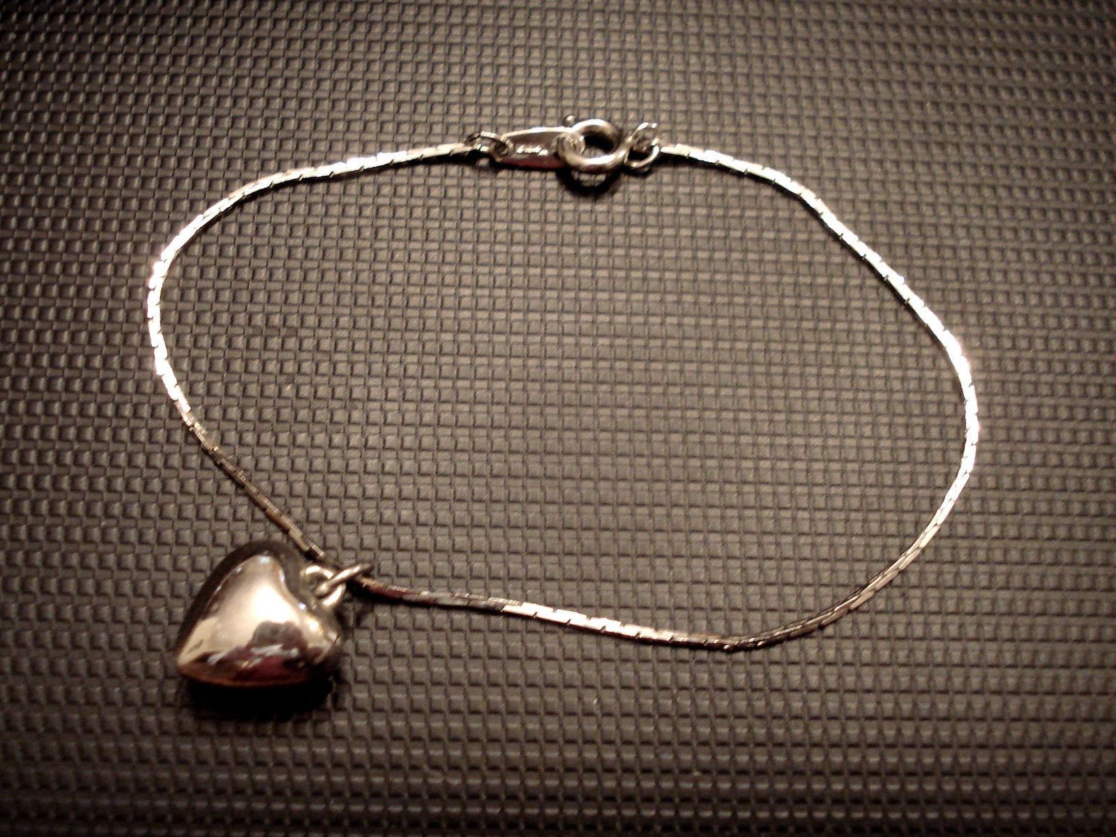 Vintage Estate Crown Trifari Puffed Heart Charm Bracelet Serpentine Silver Tone - $29.65