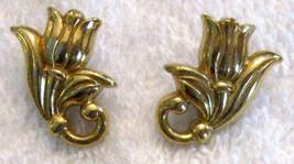 ✿ Vintage 80s Tulip Flower Figural Pierced Earrings Gold Tone Hypo Allergenic - $14.80