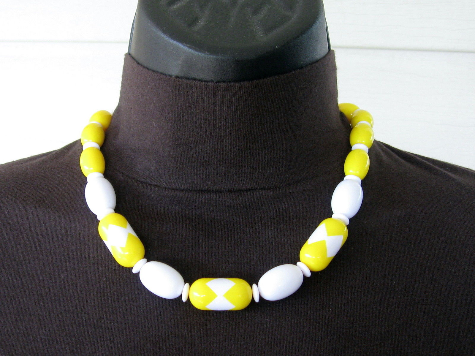 1980s VINTAGE Lucite Modern Art Deco Collection Choker NECKLACE Spectator Yellow - $24.70
