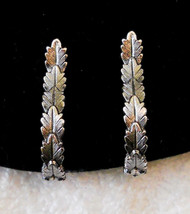 True Vtg Silver Tone Textured Leaf Clip On Hoop Earrings, Hypo Allergenic - $12.86