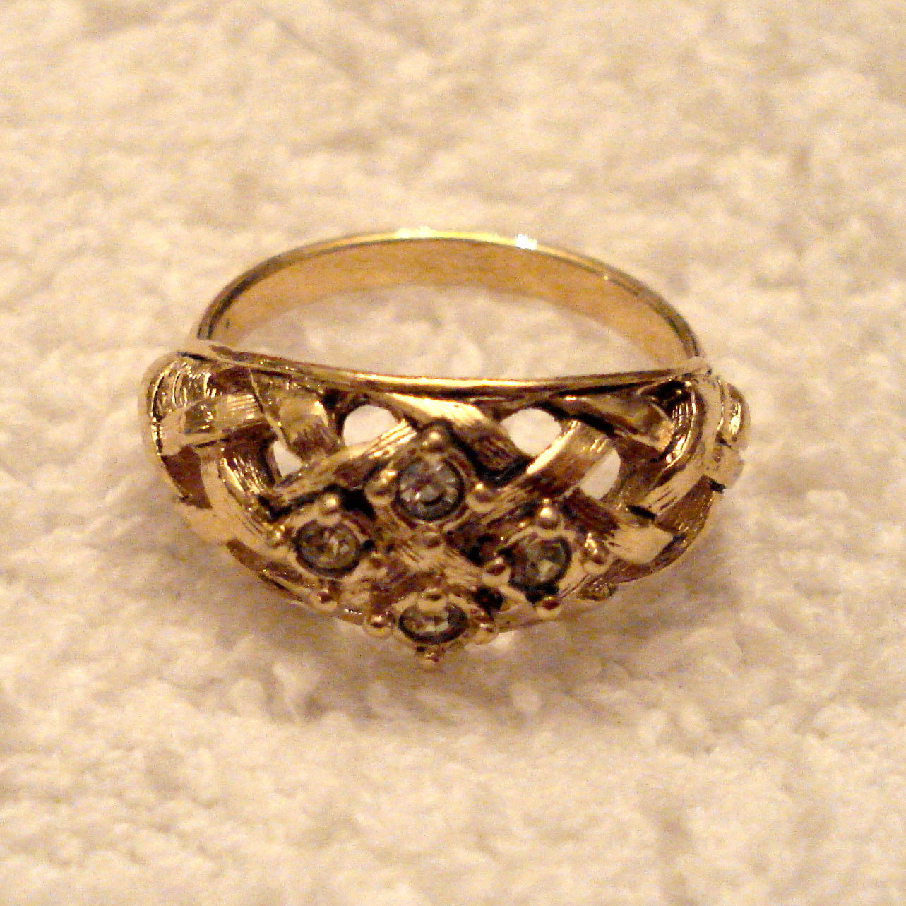NICE BASKET WEAVE RING with RHINESTONES Antiqued Gold Tone approx size 8 EUC - $19.75