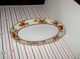 FITZ & FLOYD CHRISTMAS HOLLY RELISH / GRAVY UNDERPLATE - $26.68