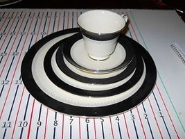 Minton China WILMINGTON  Black Band 5 Piece Place setting - $39.59