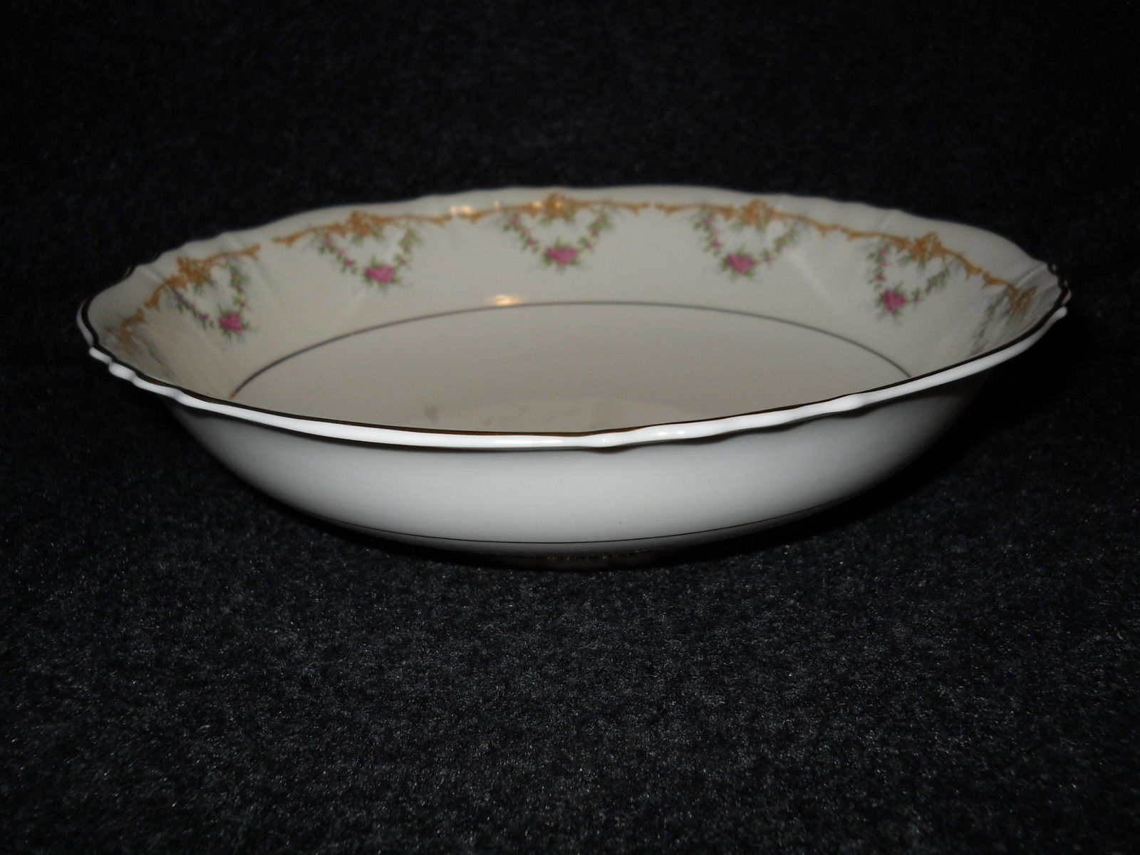 Syracuse Wardell round  serving bowl - $18.76
