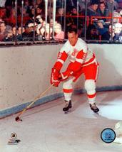 Gordie Howe Detroit Red Wings Vintage 8X10 Color Hockey Memorabilia Photo - $6.99