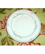 CHRISTOPHER STUART BLUE VINE SALAD PLATE Y1009 - $3.96