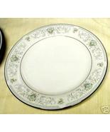 AMERICAN ROYALTY BLUE VERSAILLES DINNER PLATE - $12.82