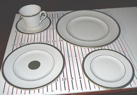 Royal Doulton Oxford Green 5 Piece Place Setting - $47.51
