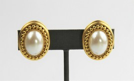 80s 90s ESTATE VINTAGE Jewelry FX PEARL ROPED 3D CLIP EARRINGS - $10.00