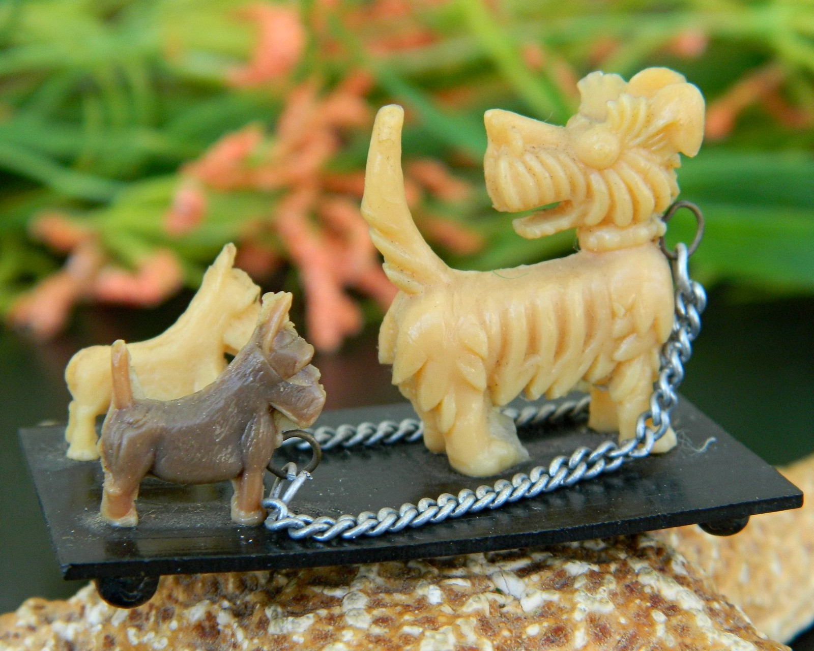 Primary image for Vintage Scotty Dogs Westies Celluloid Plastic Place Card Holder Japan