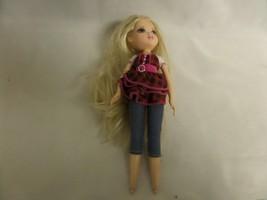 MOXIE GIRLS BLOND HAIR BLUE EYES MGA 2009 DENIM JEANS/PLAID SHIRT - $11.30