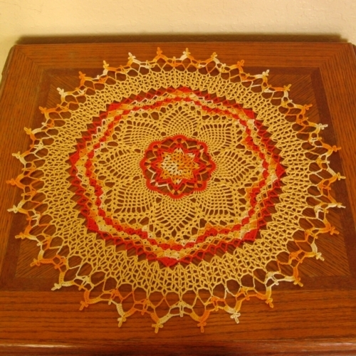 Doily   pineapple 3 color sunburst full sq 3644 af 500x