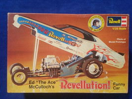 "Revell Ed ""The Ace"" McCulloch's  Model Kit 1:25 Missing Tire and glue on... - $37.00"
