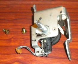 Singer Quantum CXL Bobbin Winder Component Mounting Base Assembly #283615 - $12.50