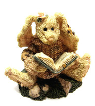 "Boyds Bearstone ""Daphne.. The Reader Hare""  #2226 - 1998 - Retired - $14.99"