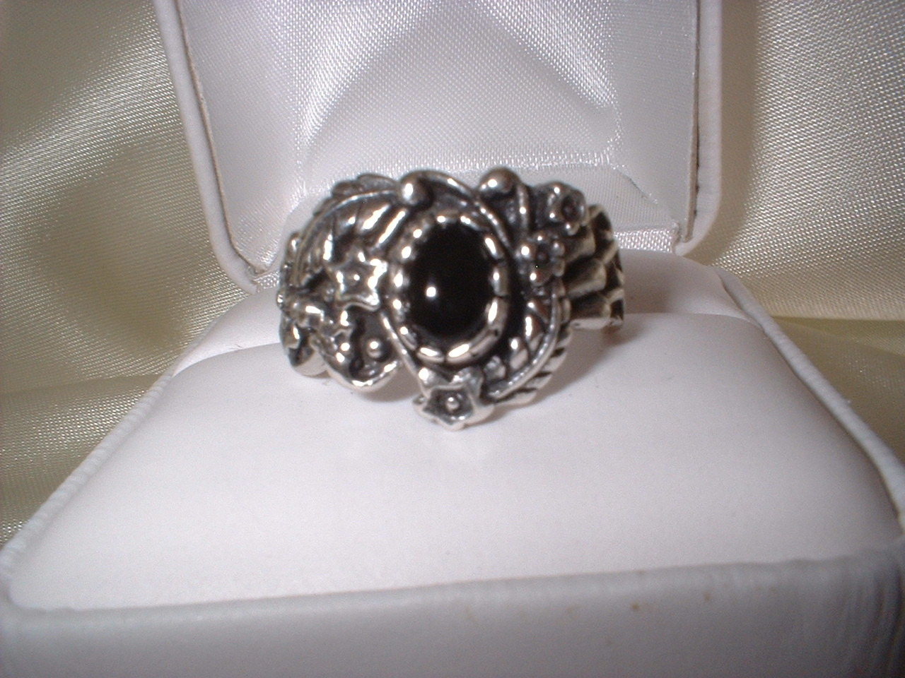 Burt ornate onyx ring retake front