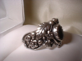 Burt ornate onyx ring other side thumb200