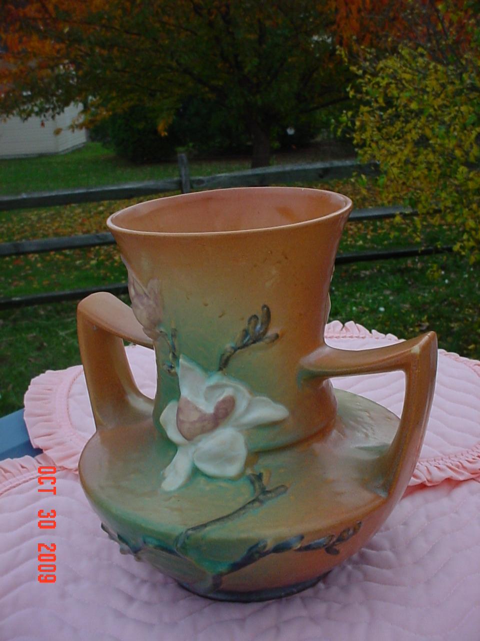 Roseville Magnolia Vase 93-9 Large Dual Handle 1940's c Mint Condition