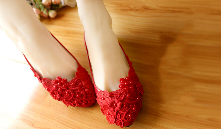 red bridesmaids shoesred pearls bridal shoesred wedding