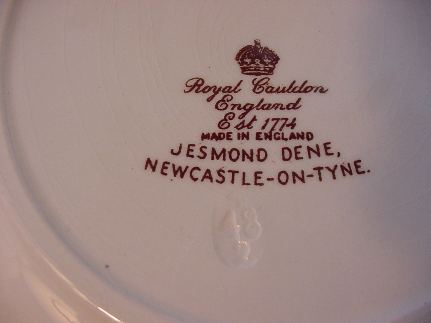 "Royal Cauldon England Jesmond Dene Newcastle-on-Tyne Plate, 9 3/4"", brown/ivory"