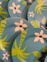Plastic Dinner Plates 8 pieces Blue with Palm Trees and Flowers No Micro... - $23.13