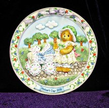 Cherished Teddies Sculptured Mother's Day Plate 1996 - $8.95