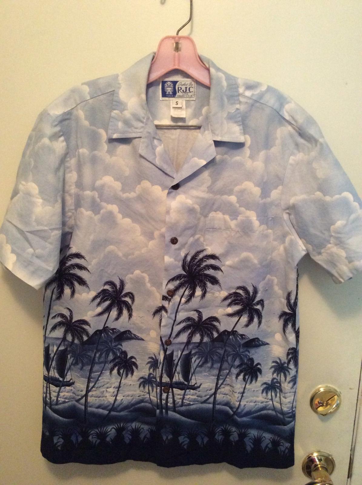 cd498e89 RJC Men's Hawaiian Shirt Blue Small - $21.00