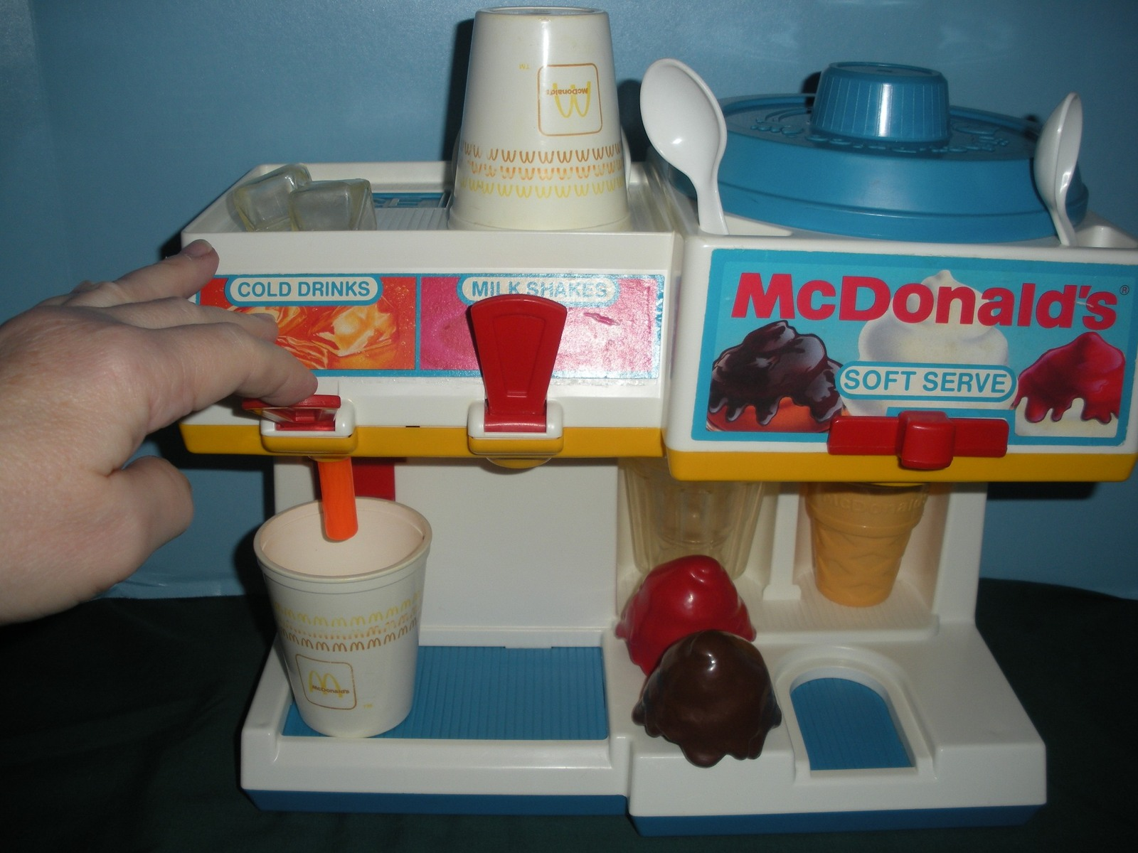 Vtg. Fisher Price Fun w/Food #2118 McDonald's Soda Fountain Comp/EXC++-NR MT M image 3