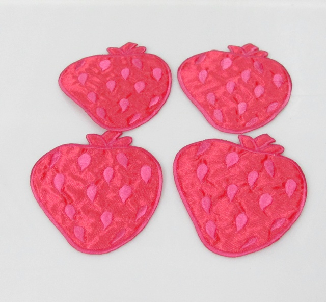 6 PC  HANDMADE SEWN NOTION GARMENT CRAFT EMBROIDERY CUTE STAWBERRY IRON BADGE EM