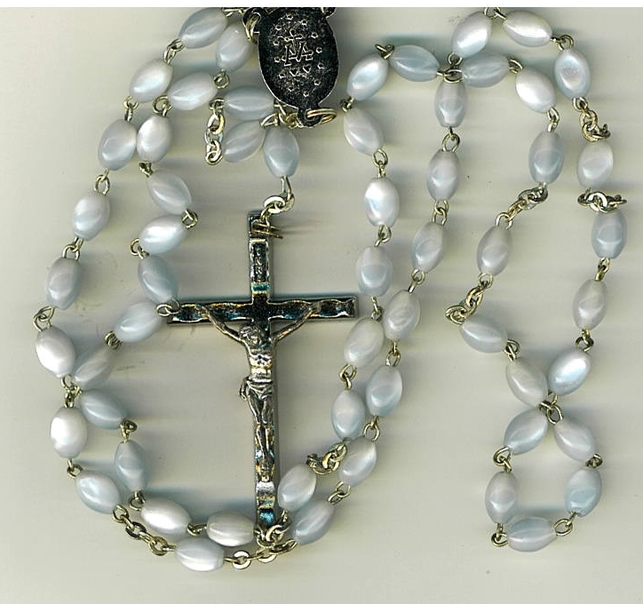 Rosary   blue lucite bead mb 611blu 001