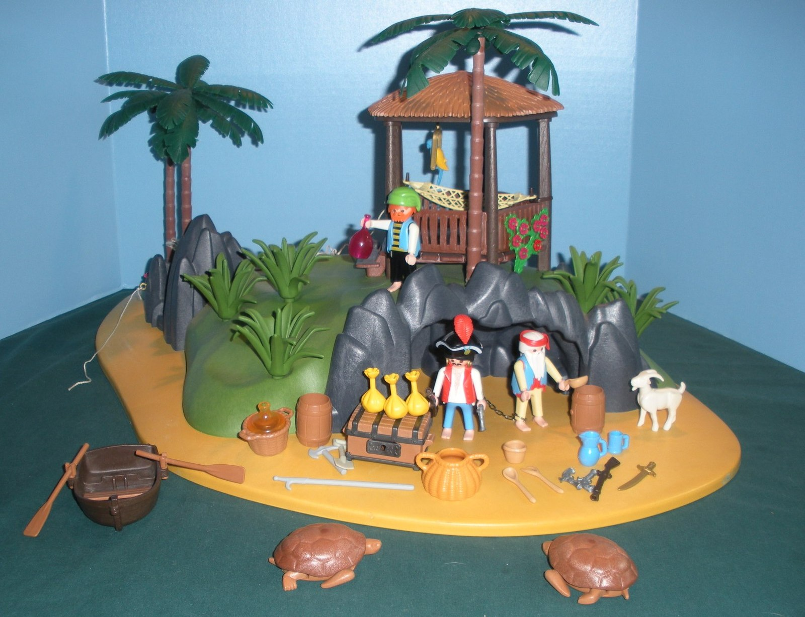 RARE Vintage Playmobil #3799 Pirates' Secret Island Comp. w/Box/ EXC! (retired) image 3