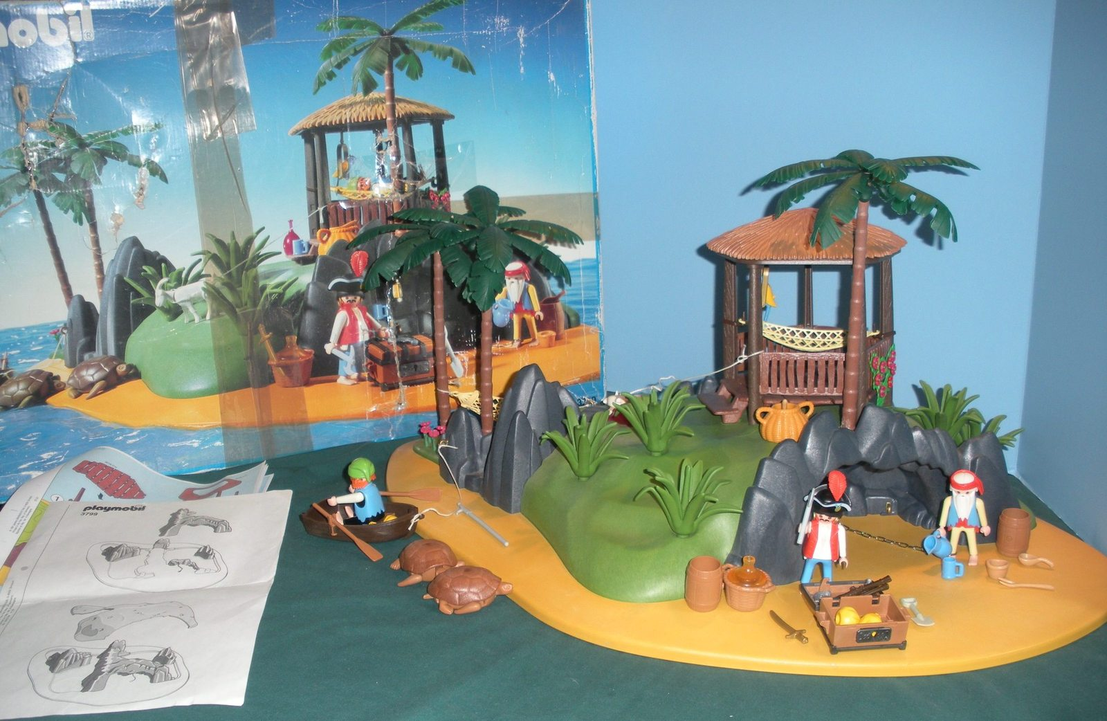 RARE Vintage Playmobil #3799 Pirates' Secret Island Comp. w/Box/ EXC! (retired)