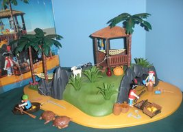 RARE Vintage Playmobil #3799 Pirates' Secret Island Comp. w/Box/ EXC! (retired) image 2