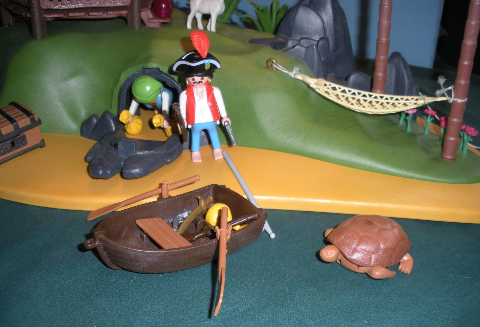 RARE Vintage Playmobil #3799 Pirates' Secret Island Comp. w/Box/ EXC! (retired) image 5