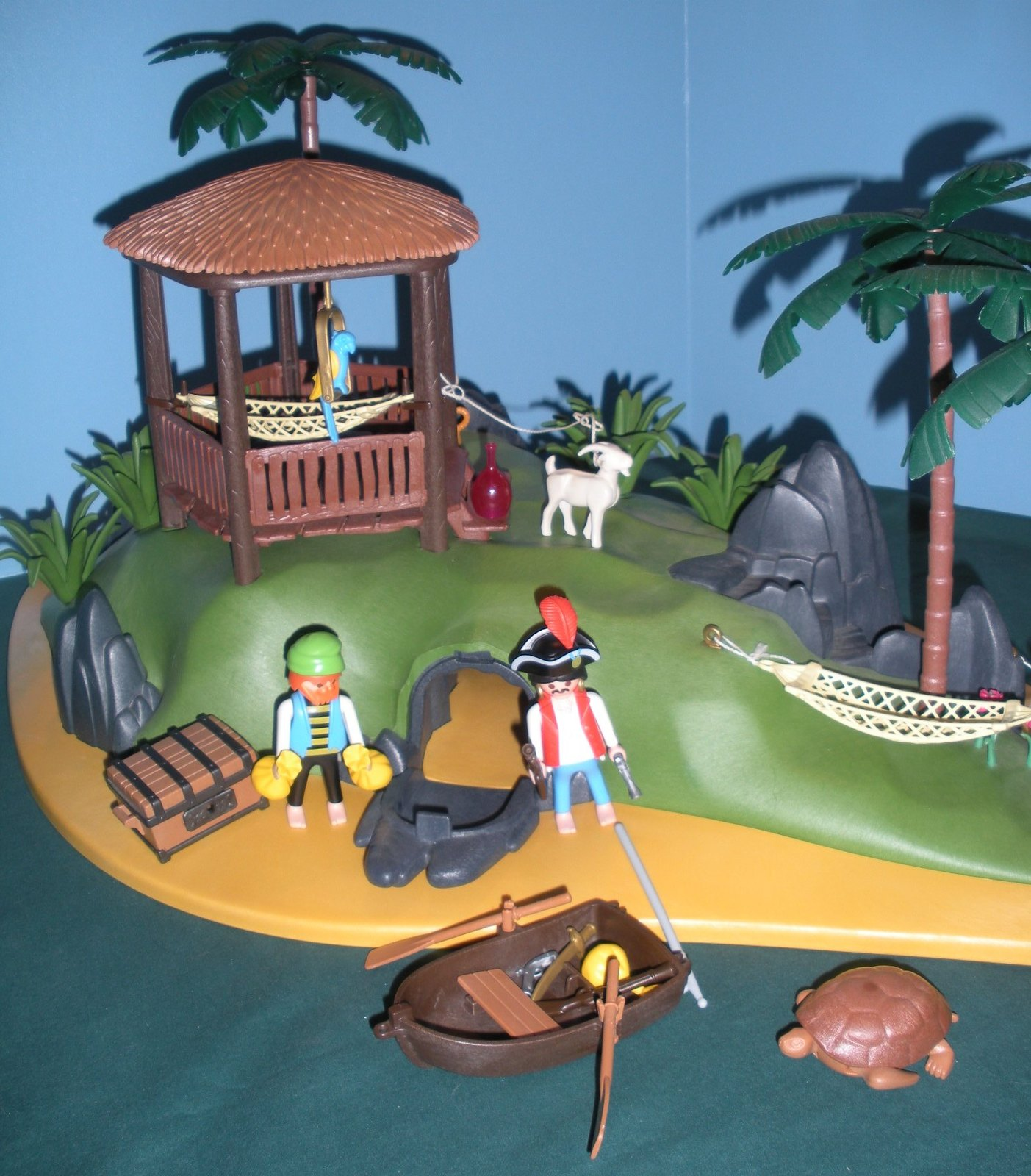 RARE Vintage Playmobil #3799 Pirates' Secret Island Comp. w/Box/ EXC! (retired) image 6