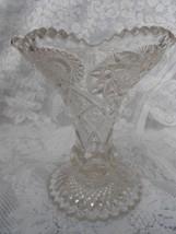 RARE ELEGANT VINTAGE CRYSTAL INDIANA GLASS VASE - $21.99