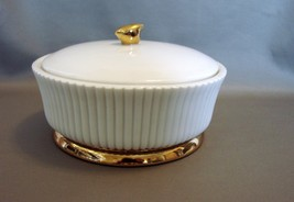 Rare and Lovely Estee Lauder Trinket/Jewelry/ D... - $38.95